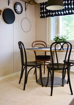 Kirppistelyä & tuoli dilemma - Lifestyle Blogi   www.marjakuja.fi Poland, Dining Table, Lifestyle, Furniture, Home Decor, Decoration Home, Room Decor, Dinner Table, Home Furnishings