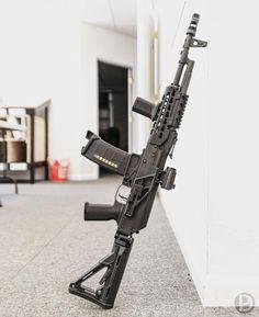 Guns Guns and More Guns Airsoft Guns, Weapons Guns, Guns And Ammo, Assault Weapon, Assault Rifle, Tactical Ak, Tactical Survival, Armas Ninja, Battle Rifle