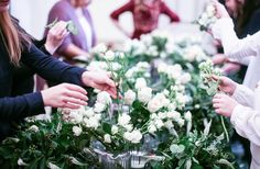 Berlin Flower School teaching Stil-life Bouquet for Vintage Wedding for the students of the Gold Wedding Academy.