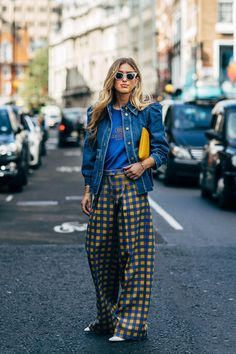 London SS 2019 Street Style: Emili Sindlev Emili Sindlev between the fashion shows. The post London SS 2019 Street Style: Emili Sindlev appeared first on STYLE DU MONDE Street Style Chic, Street Style Trends, Street Style Summer, London Summer Style, Fashion Week, Fashion 2017, Street Fashion, Fashion Outfits, Fashion Trends