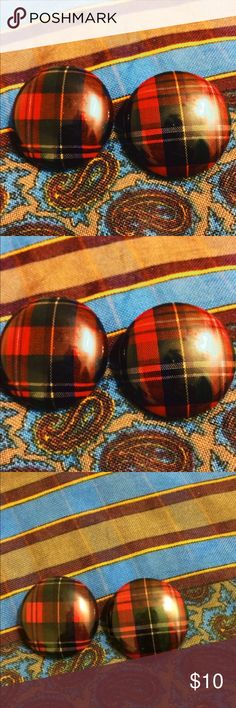 Just in time for Christmas time fun!Plaid earrings Christmas time 🎄 These red, green, yellow, black plaid earrings are just in time for cool fall/winter months. Too cute! Condition:Excellent. Accessories