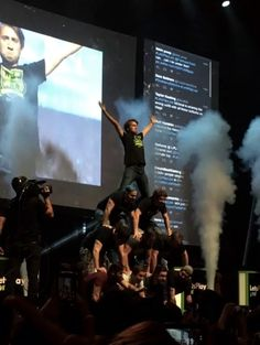 Let's Play Live in Chicago, Illinois AH pyramid of Gavin