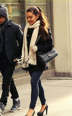 ariana grande- love her hair and fashion