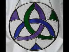 This is just a random fun short(ish) video of some Celtic/Gaelic/Irish symbols. The song is Bean An Ti. Song by Orla Fallon on her new CD Distant Shores. It's really cool, and I hope yuo enjoy. Celtic Stained Glass, Stained Glass Church, Stained Glass Designs, Stained Glass Panels, Stained Glass Patterns, Stained Glass Art, Celtic Symbols, Celtic Art, Irish Symbols
