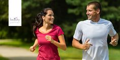 HOGYAN FUSSUNK HELYESEN?  A futás, és maga a futó kultúra igen nagy tömegeket megmozgató elfoglaltság, végezhető amatőr és professzionális szinten is, és nem kell hozzá különösebben komoly felszerelés sem – persze egy alap edző- vagy futócipő sosem árt -, továbbá számos egészségre kedvező hatása is ismeretes. Javítja a szív- és keringési rendszerünket, edzettséget biztosít, tehát javul állóképességünk, és az egyik legalkalmasabb mozgás arra, ha fogyni szeretnénk!