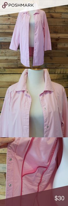 "Gap Outlet pink spring coat Gap Outlet spring coat in pink cotton.  100% cotton. Side pockets.  6 snap closures. Armpit to armpit - 21"", length 34-1/2"".  Great gently worn condition. GAP Jackets & Coats Trench Coats"