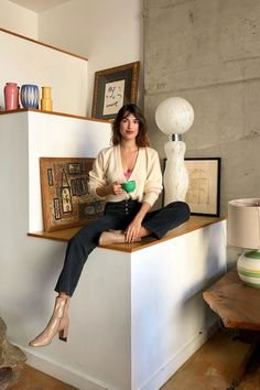 Jeanne Damas helps us through the new season's trickiest sartorial challenges Womens Style The French woman's guide to dressing for winter Parisian Style Fashion, French Fashion, Jeanne Damas, Style Chic Parisien, Stil Inspiration, Style Parisienne, French Girl Style, French Riviera Style, French Girls