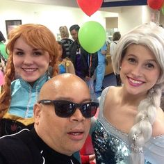 Selfie with Anna and Elsa!!  Michael Eric Berrios #GTKAS Nova Southeastern  Give the Kids a Smile!  #MichaelEricBerrios DJ/MC   #MichaelBerrios