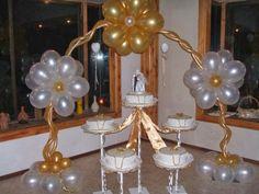 decoracion con globos blancos y dorados - Buscar con Google
