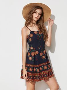 ¡Consigue este tipo de vestido informal de SheIn ahora! Haz clic para ver los detalles. Envíos gratis a toda España. Floral Print Slip Dress: Navy Multicolor Cute Vacation Polyester Spaghetti Strap Sleeveless A Line Short Floral Fabric has no stretch Summer Skater Dresses. (vestido informal, casual, informales, informal, day, kleid casual, vestido informal, robe informelle, vestito informale, día)