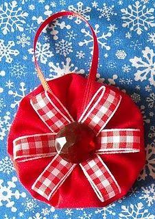 Yo Yo Christmas ornament - so easy & cute!
