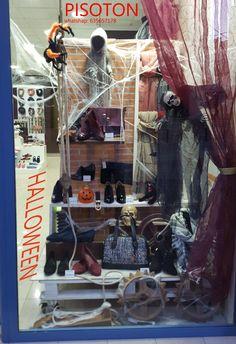 Que os parece nuestro escaparate de Halloween??