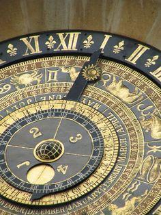 Astrological clock, Hampton Court Palace, London  http://en.wikipedia.org/wiki/Hampton_Court_Palace