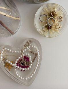 Jewelry Dish, Cute Jewelry, Jewelry Accessories, Princess Kitty, Spice Things Up, Decoration, Jewelery, Brooch, Fancy