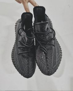 Adidas Yeezy Boost 350 Black the best running sneakers Pharrell Williams, Black Yeezys, Yeezy 350 V2 Black, Kanye West, Sneaker Trend, Adidas Originals Sneaker, Baskets, Black Friday, Moda Masculina