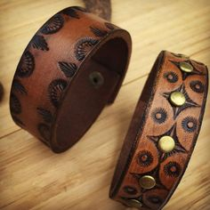 Hand Tooled Leather Bracelet, Fawn Brown, Boho - Care - Skin care , beauty ideas and skin care tips Leather Carving, Leather Art, Leather Gifts, Leather Pieces, Leather Design, Leather Tooling, Leather Jewelry, Handmade Leather, Leather Wallet