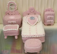 Knitted barbie furniture. adorables.