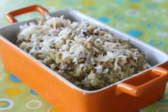 Quinoa steamed in milk and coconut milk and topped with shredded coconut and slivered almonds! Quinoa Breakfast, Nutritious Breakfast, Banana Breakfast, Breakfast Bites, Breakfast Recipes, Veggie Recipes, Great Recipes, Favorite Recipes, Delicious Recipes