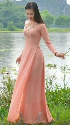 Of Stunning Blonde Models From Around The World - Visit to watch Vietnamese Traditional Dress, Vietnamese Dress, Traditional Dresses, Ao Dai, Wedding Dresses For Girls, Girls Dresses, Stylish Dresses, Fashion Dresses, New Long Dress