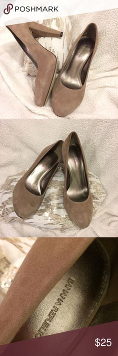 Banana Republic Beige Heels Gently used Banana Republic Beige high heels that are in great condition. The heels have a suede material that gives the heel a higher quality and appealing style to enhance your outfit. I love these shoes and would wear them every day if I was a size 7! :( Banana Republic Shoes Heels
