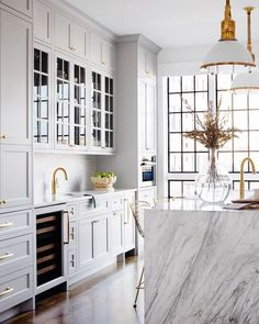 See more ideas approximately Kitchen decor, Kitchen design and Kitchen remodel. Storage Ideas for a clean Kitchen and Cleaner Cabinets Home Decor Kitchen, New Kitchen, Home Kitchens, Rustic Kitchen, Kitchen Hacks, Small Kitchens, Kitchen Layout, Modern Kitchens, Eclectic Kitchen