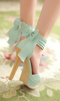 mint bow heel