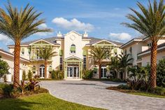 Today's The Wall Street Journal highlights the luxury spec home market with @conciergeluxury and two of its lavish homes in Vero Beach, FL. Also featured, developer Miami Golden's stunning $36M Golden Beach residence designed by renowned architect Chad Oppenheim. ‪#‎clients‬ ‪#‎luxury‬ ‪#‎realestate‬ ‪#‎architecture‬ ‪#‎Miami‬ ‪#‎VeroBeach‬ ‪#‎spechomes‬ ‪#‎auctions‬ @oppenoffice