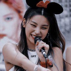 K Pop, Korean Best Friends, Indie, Fandom, Kpop Aesthetic, Pop Group, K Idols, Me As A Girlfriend, Korean Girl Groups