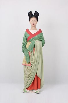 outfit for girls in the Northern Qi Dynasty (550-577)