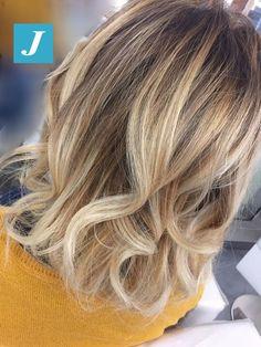 Impossibile confondere il Degradé Joelle. #cdj #degradejoelle #tagliopuntearia #degradé #igers #croissant #hair #hairstyle #haircolour #longhair #ootd #hairfashion #madeinitaly #wellastudionyc
