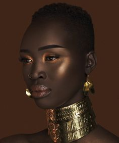 The Nubian Loose Highlighter- Nubia - Care - Skin care , beauty ideas and skin care tips Dark Skin Makeup, Dark Skin Beauty, Black Beauty, Face Makeup, Hair Afro, Look Dark, Dark Skin Tone, Mädchen In Bikinis, My Black Is Beautiful