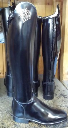 Man Boots, Riding Boots, Shoe Boots, We Wear, How To Wear, Equestrian Boots, Dress With Boots, Dressage, Red Shoes