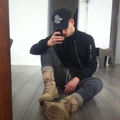 combat boots black for men outfit mxdvs Urban Fashion, Boy Fashion, Mens Fashion, Fashion Dresses, Mens Trends, Clothing Labels, Fashion Killa, Street Wear, Men Casual