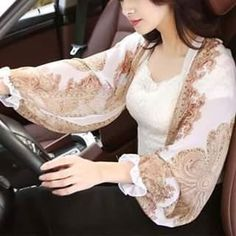 Fashion Sewing, Diy Fashion, Fashion Dresses, Ways To Wear A Scarf, How To Wear Scarves, Wrap Clothing, Scarf Styles, Women Swimsuits, Womens Scarves