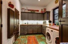 4309 Woodleigh Lane, La Canada-Laundry Room