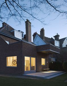 Jonathan Tuckey Design is one of the UK's leading advocates for remodelling and radically transforming old buildings for modern uses. Brick Facade, House Extensions, Al Fresco Dining, West London, Old Buildings, House Front, Open Up, Home Crafts, Architecture Design