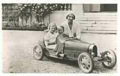 Queen Astrid with her daughter Josephine Charlotte and son Baudoin