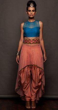 Could adapt this into a sari blouse Lakme Fashion Week, India Fashion, Ethnic Fashion, Asian Fashion, Covet Fashion, Indian Attire, Indian Wear, Indian Style, Pakistani Outfits