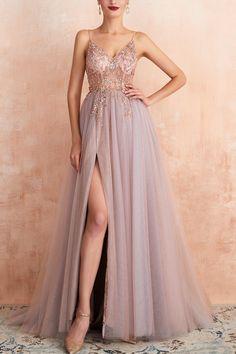 Pretty Prom Dresses, Beaded Prom Dress, Grad Dresses, Tulle Dress, Ball Dresses, Elegant Dresses, Homecoming Dresses, Beautiful Dresses, Long Party Dresses