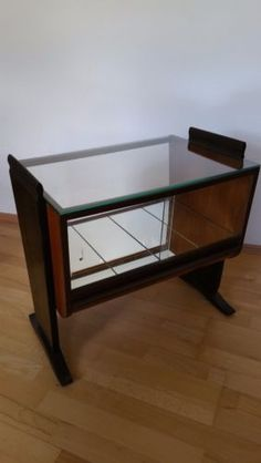 Art-deco-bar-vitrine-by-Jindrich-Halabala-UP-Zavody-1930
