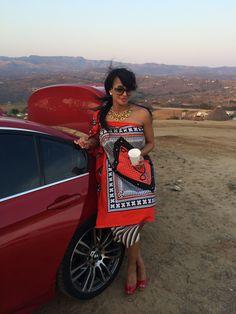Zulu Traditional Attire, African Traditional Dresses, African Attire, African Wear, African Fashion Designers, African Culture, African Design, Traditional Wedding, Wonder Woman