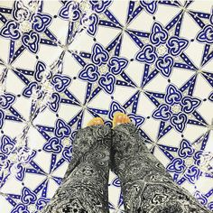 Have this thing with tiles. Amazing pic by @fabiana_rispoli // keep tagging #ihavethisthingwithtiles  _____________________________________________  #fwisfeed #feet #lookyfeet #lookyfeets #lookdown #selfeet #fwis #fromwhereyoustand #viewfromthetop #ihavethisthingwithfloors #viewfromthetopp #happyfeet #picoftheday #photooftheday #amazingfloorsandwanderingfeet #vsco #all_shots #lookingdown #fromwhereonestand #fromwherewestand #travellingfeet #fromwhereistand #tiles #tileaddiction #tilecrush…