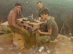 Vietnam War * Jungle Warriors, The Things They Carried, Vietnam War Photos, Semper Fi, Silk Pajamas, American War, Vietnam Veterans, Yesterday And Today, Cold War