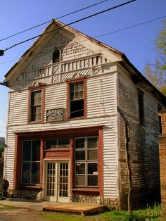 and break clear away, once in awhile, and climb a mountain or spend a week in the woods. Old Buildings, Abandoned Buildings, Abandoned Places, Old General Stores, Old Country Stores, Beautiful Ruins, Beautiful Buildings, Interesting Buildings, East Tennessee