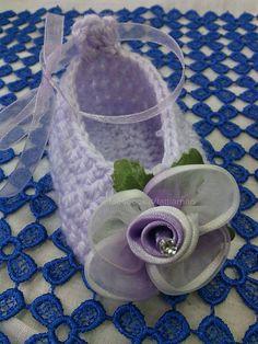 come realizzare una scarpetta neonato - How to make a baby shoe