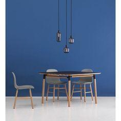 Normann Copenhagen Form Chair Stuhl mit Eichenuntergestell