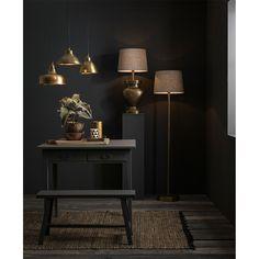 Oświetlenie jest niczym biżuteria dla naszego wnętrza. Odpowiednio dobrane potrafią dopełnić aranżację i dodać szyku niejednej przestrzeni. ...