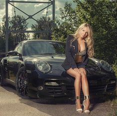 Ideas Dream Cars For Girls Black Sexy Porsche Autos, Porsche Sports Car, Porsche Models, Porsche Cars, Hey Porsche, Porsche 997 Turbo, Custom Porsche, Porsche Boxster, Ford Models