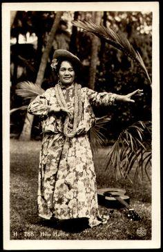 """Hilo Hattie (October 28, 1901 – December 12, 1979) was born Clarissa """"Clara"""" Haili in Honolulu, Hawaii. She was a Hawaiian singer,[1] hula dancer, actress and comedienne of Native Hawaiian ancestry.[2]"""
