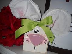 Apparently I'm obsessed with 2X4s  o-well.  Super cute & super easy Easter Bunny Block Head